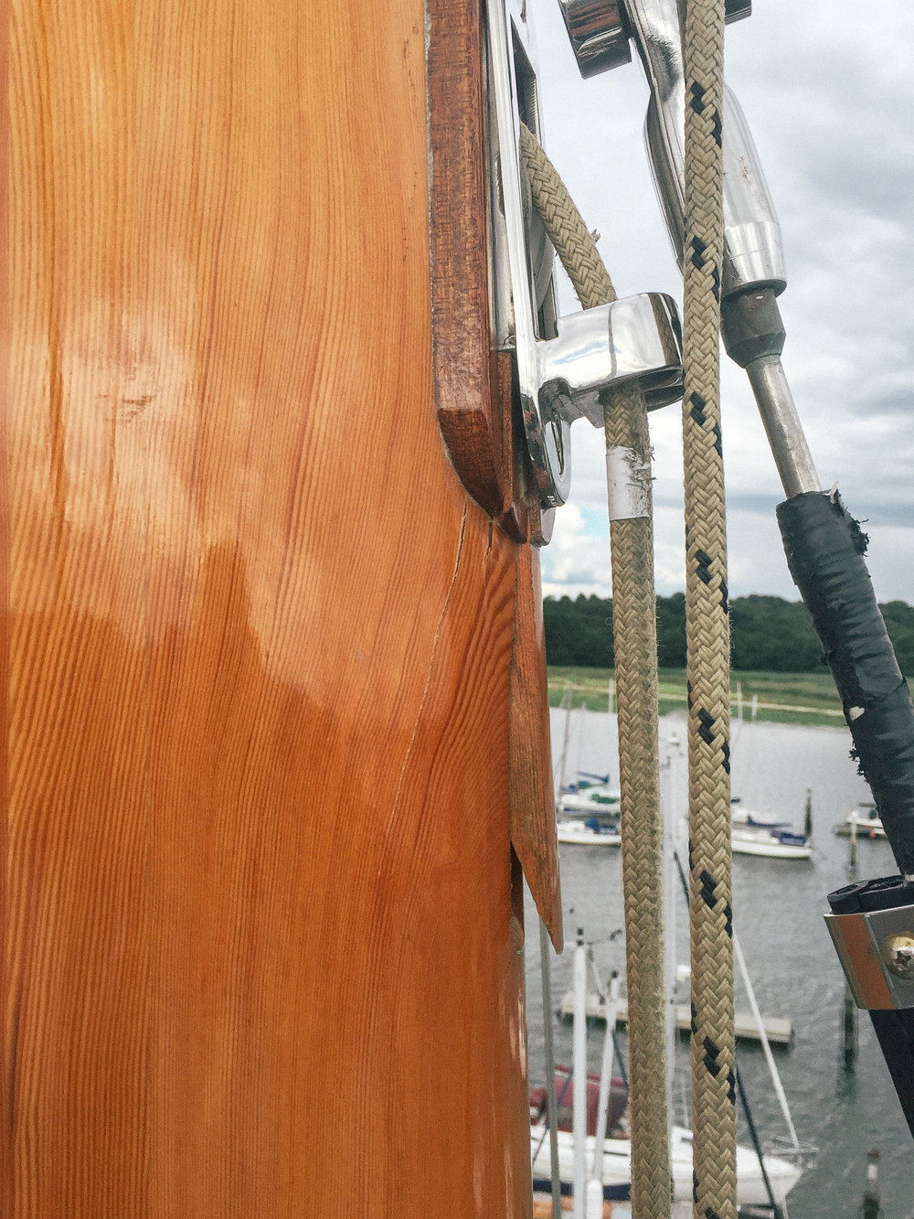 vertical crack in the timber had appeared, on the forward port quarter at the point where the ⅞ forestay intersects with the mast