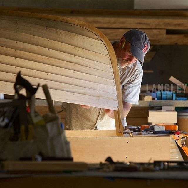 Almost Caravaggio like, (CYTV reposts) @langleyphoto presents Tim Watts' construction of ZEPHYR a John Alden Motor Tender for TRADE WIND @rockportmarine  #woodenboat #boatbuilder #yacht #tender #classicboat #classic #yachts #AlisonLangley