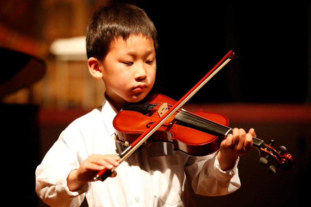 forte-music-festival-young-violinist.jpg