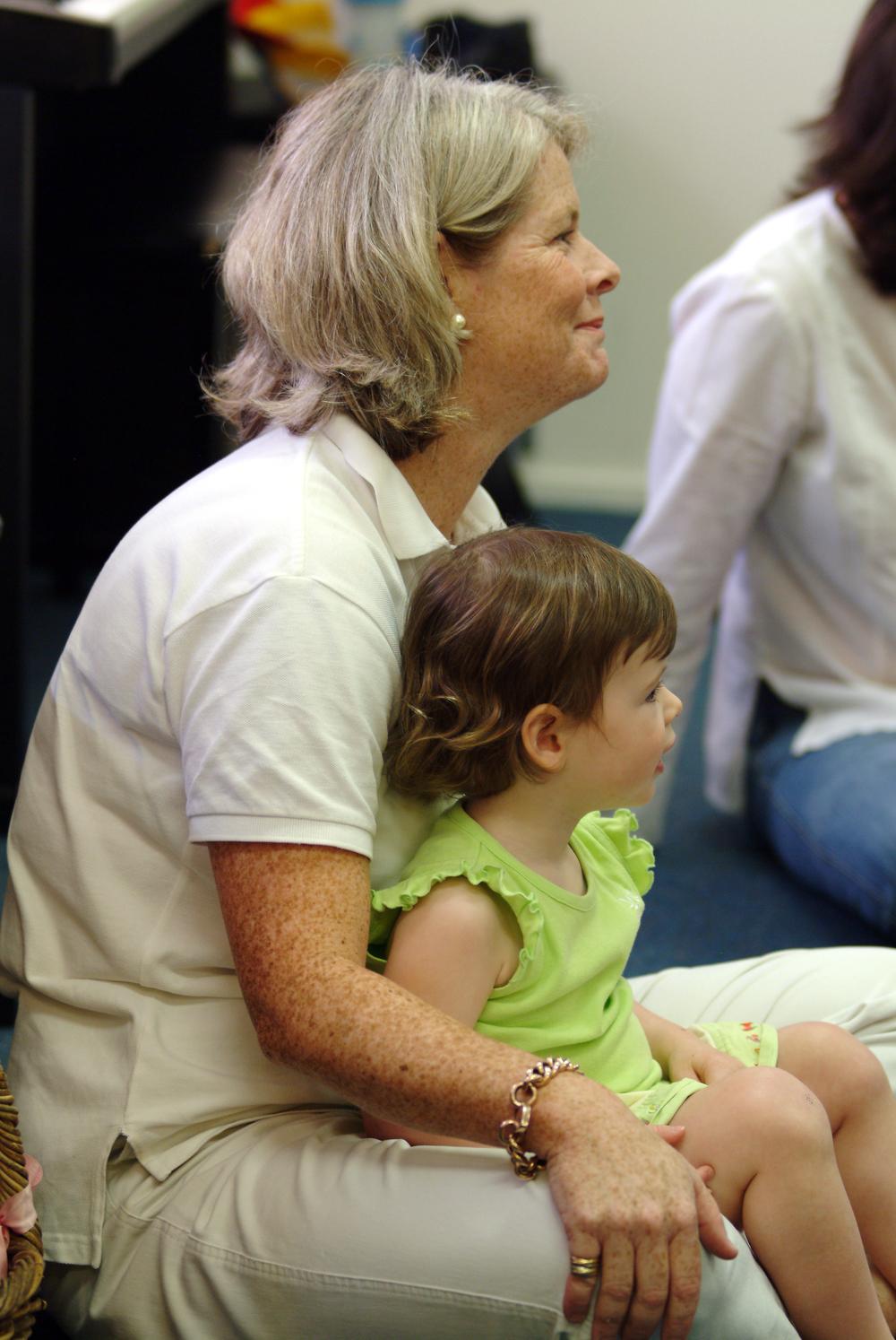 Madeleine&Mum2.JPG