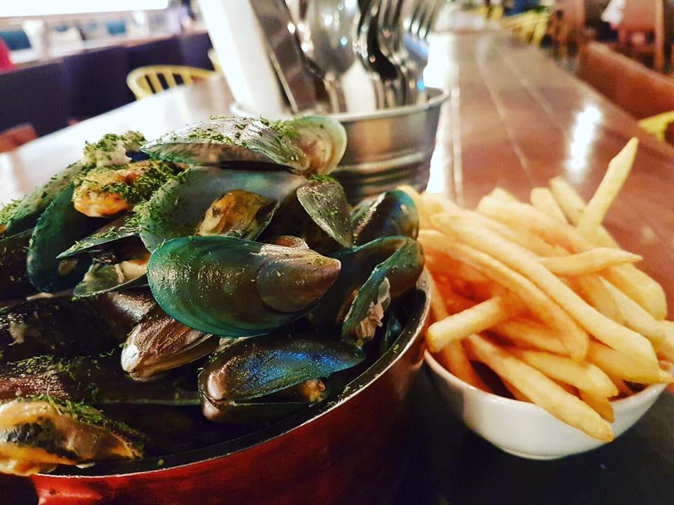 Thursdays: Mussels & Fries Promotion