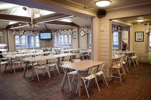 Kuusijarvi_ravintola.jpg