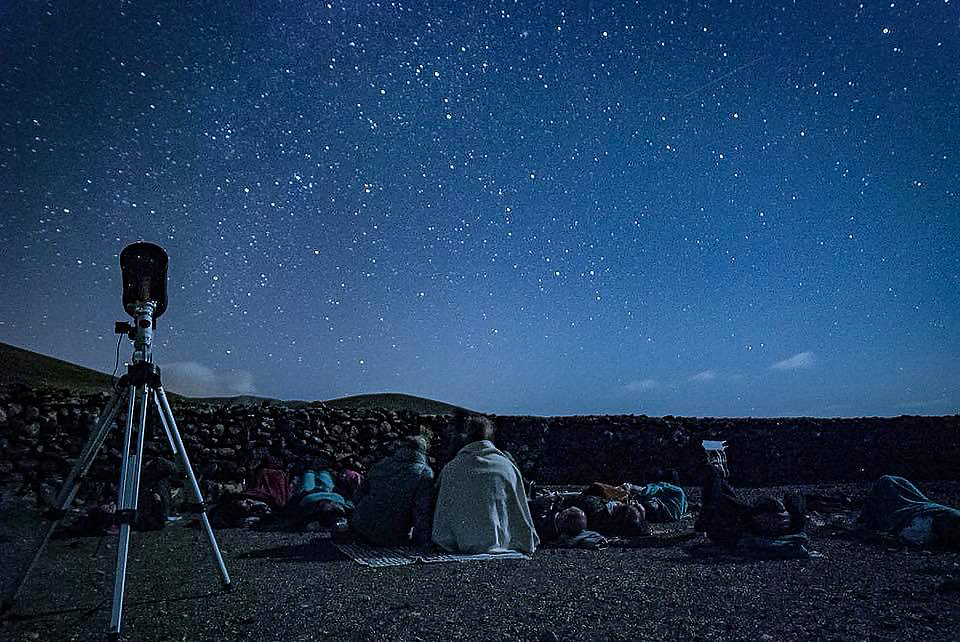 Stargazing observation in dark sky zone at Los Molinos