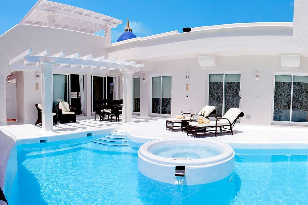 BAHIAZUL SUPERIOR VILLAS - Private luxury villas set in a secure hotel environment. Corralejo.