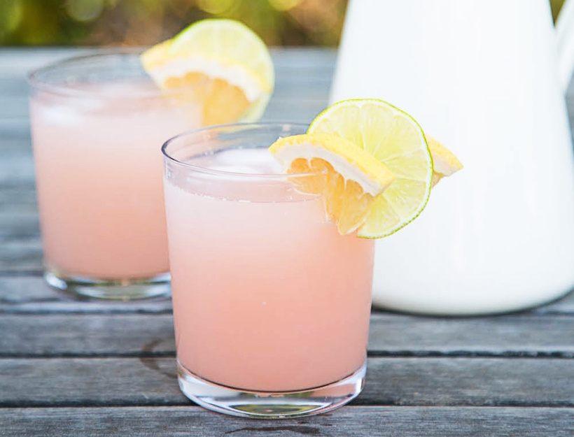 Low Calorie La Croix Pamplemousse Paloma Cocktail \\ Alexandrea Jarvis - Nashville, Tennessee