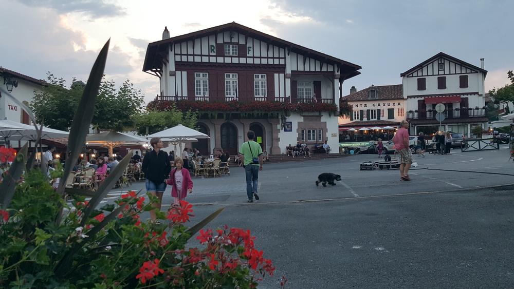Bidart town square