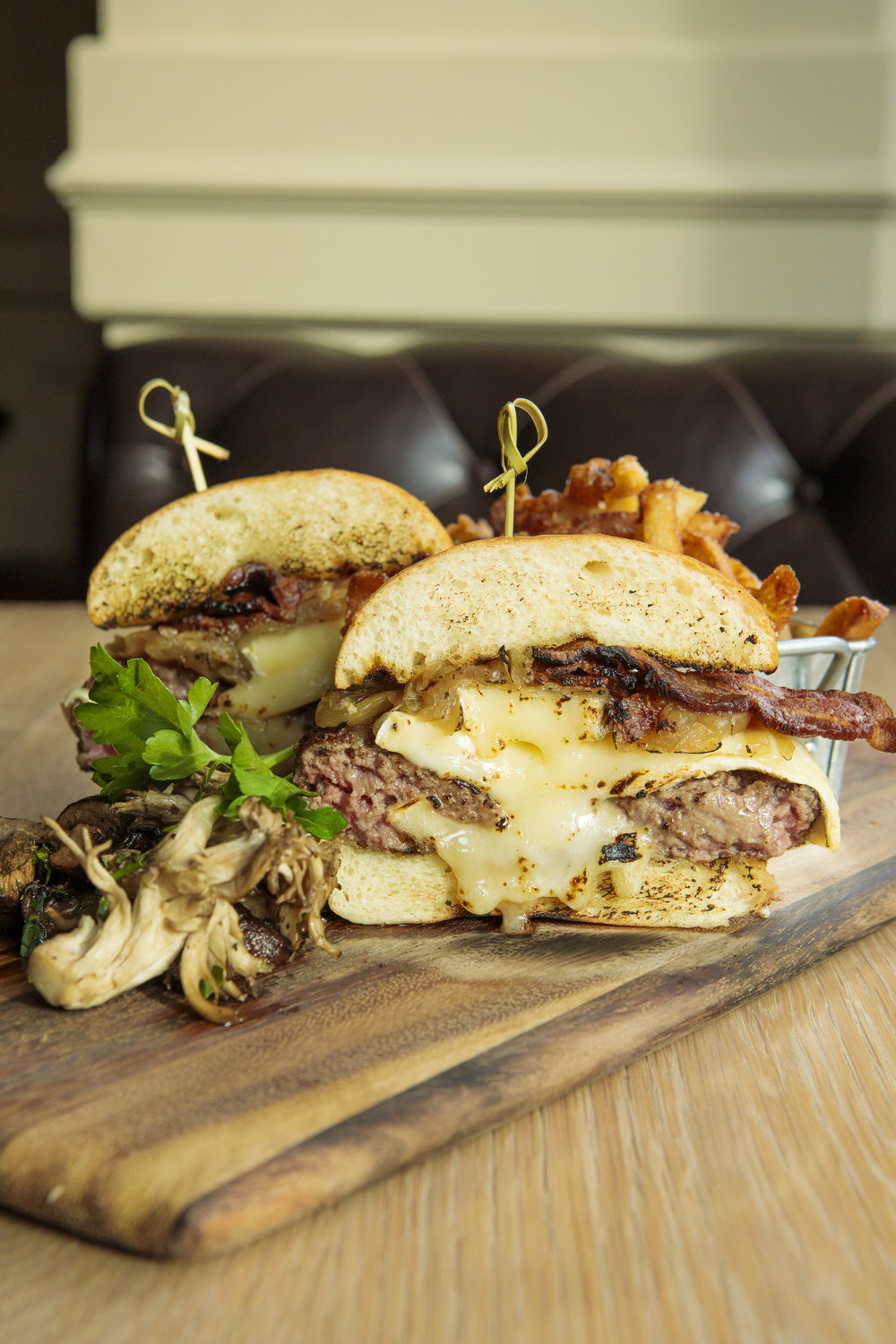 MET BACK BAY_BURGER OF THE MONTH_BRIAN SAMUELS PHOTOGRAPHY-3727.jpg