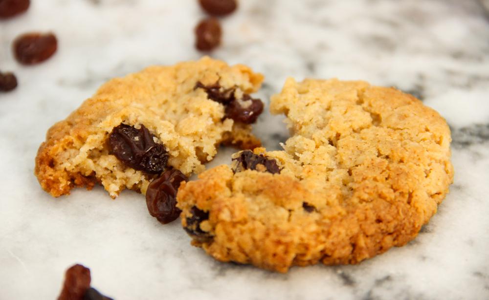 Homemade Recipe Raisin and Condensed Milk Cookies
