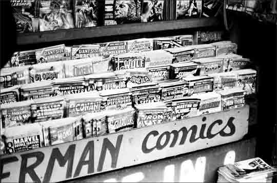 comic-book-rack-1975.jpg