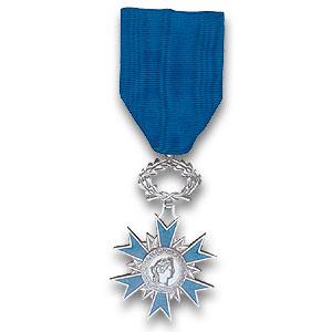 chevalier ordre du merite.jpg