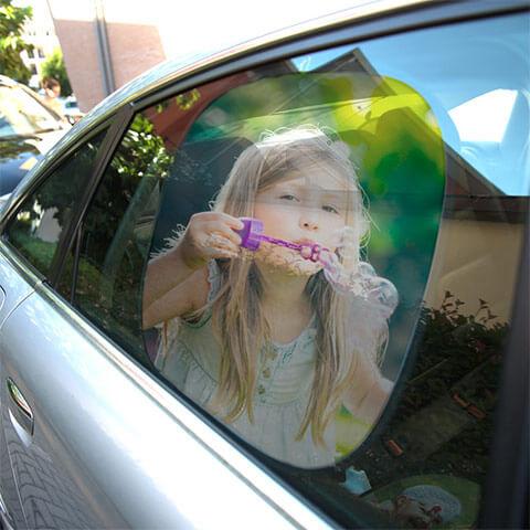 Tendina parasole 10,00 € - Utile e colorata per la tua auto.
