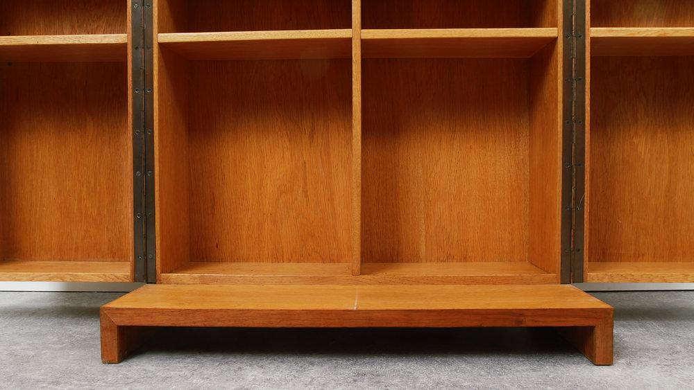 Cabinet Bar