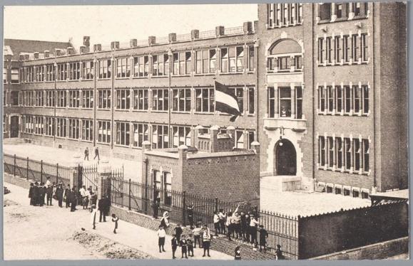 1907 The Diamond District.