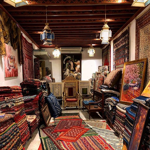 Le temple du tapis - Eddar !  #eddar #tunis #tunisie #afrique #vue #terrasse #incroyable #souks #tapis #artisanats #tapis #kilim