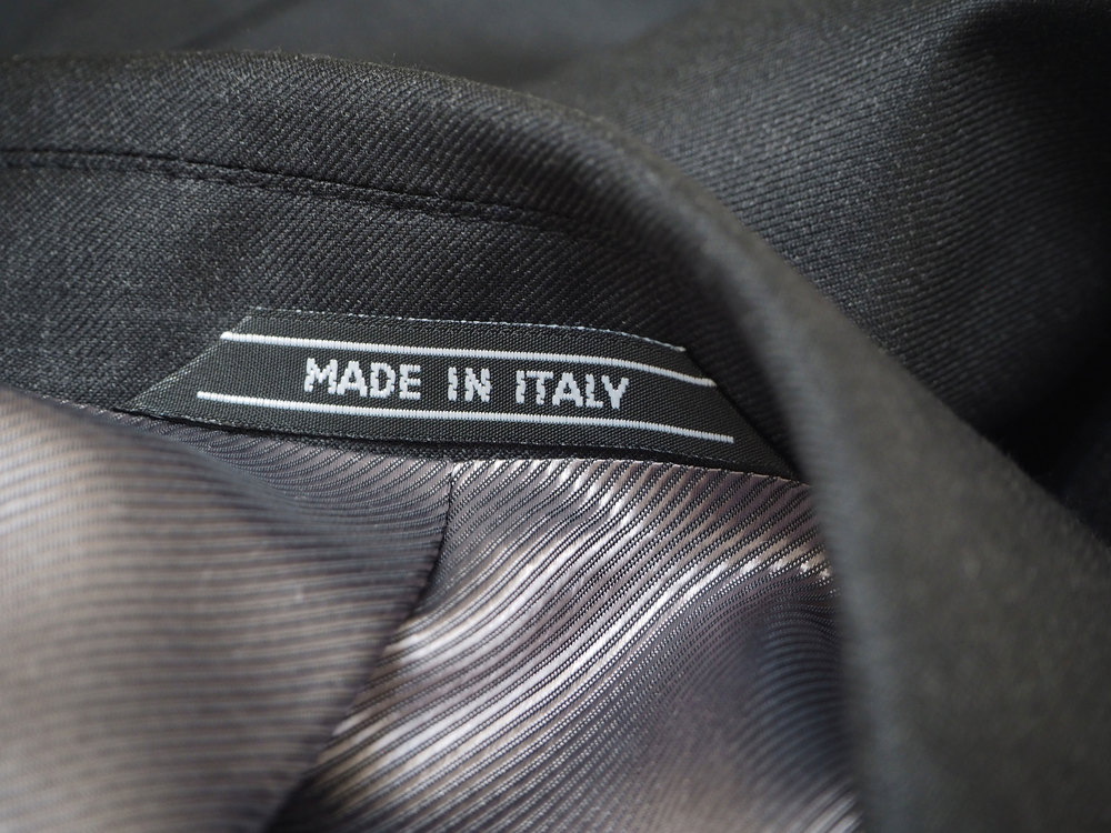 MADE-IN-ITALY---nakke-koksgrå-jakke.jpg