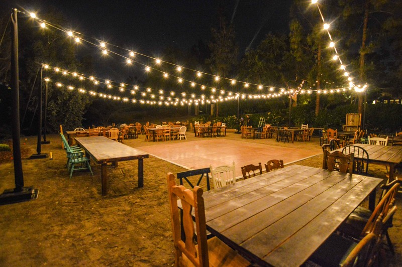 800x800_1402032057036-backyard-wedding-reception-market-lights3[1].jpg