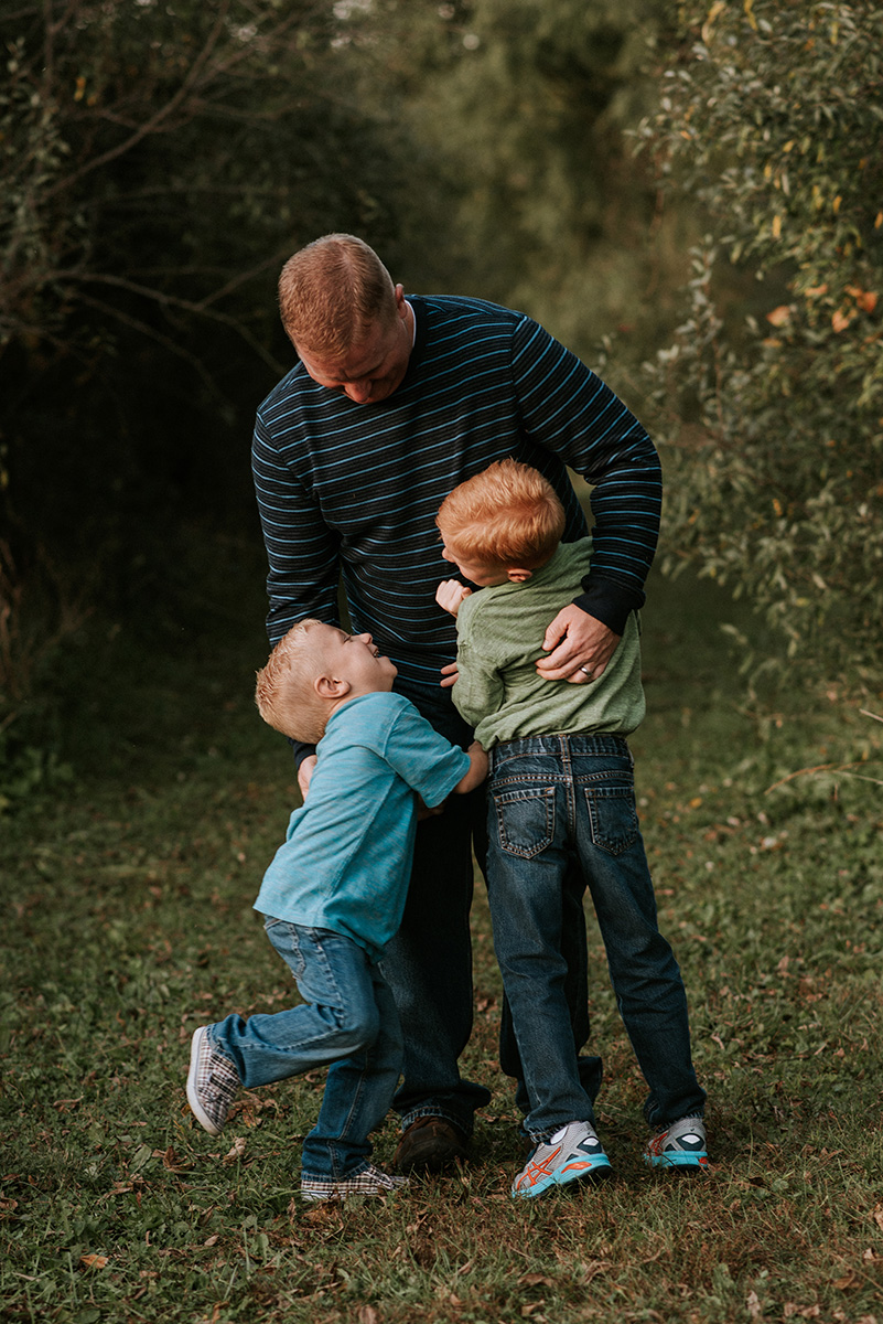 waterloo ia family photographer nicole corrine.jpg