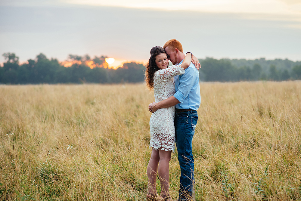 nicole corrine engagament phorographer Midwest Traer Iowa sunrise love.jpg