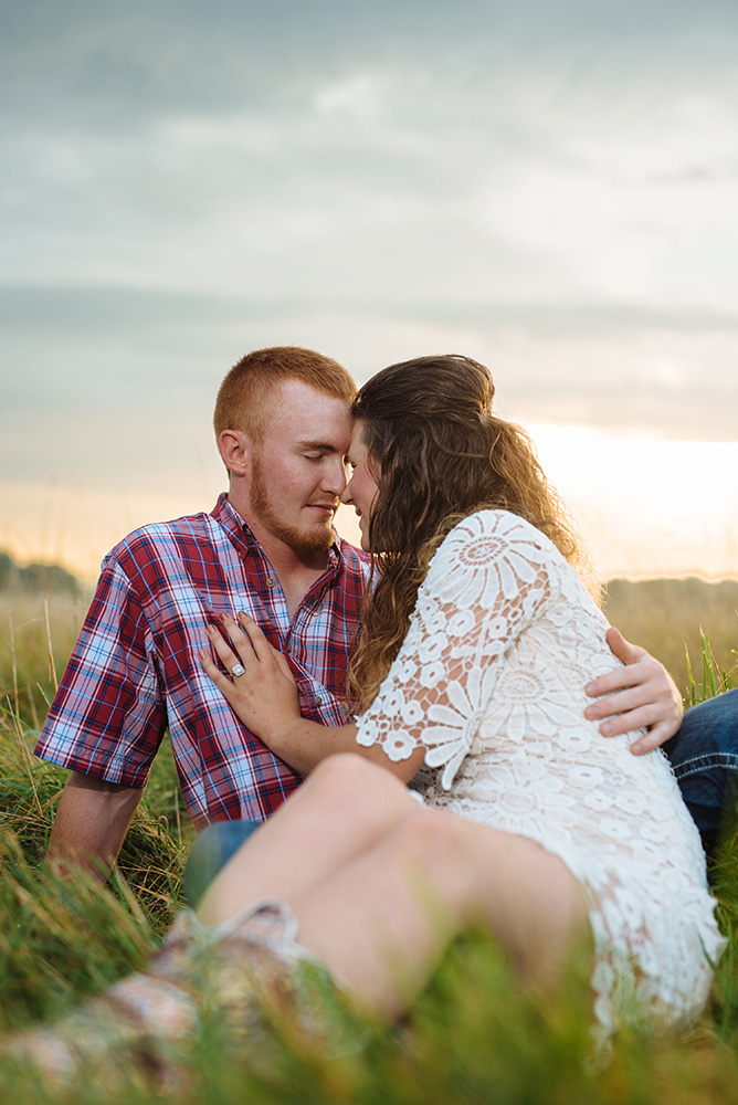 nicole corrine engagament phorographer Midwest Traer Iowa sunrise session.jpg