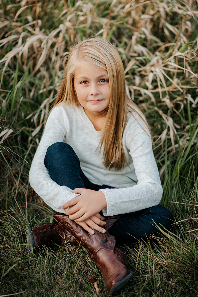 nicole corrine family portrait photographer iowa midwest school photo.jpg