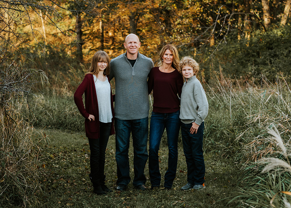 nicole corrine iowa family photographer small family.jpg
