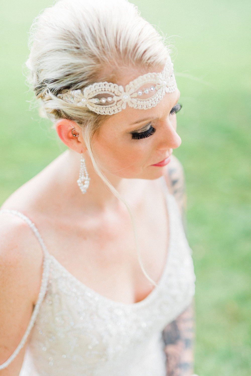 bridal makeup closeup in Reinbeck Iowa. Great Gatsby style headband