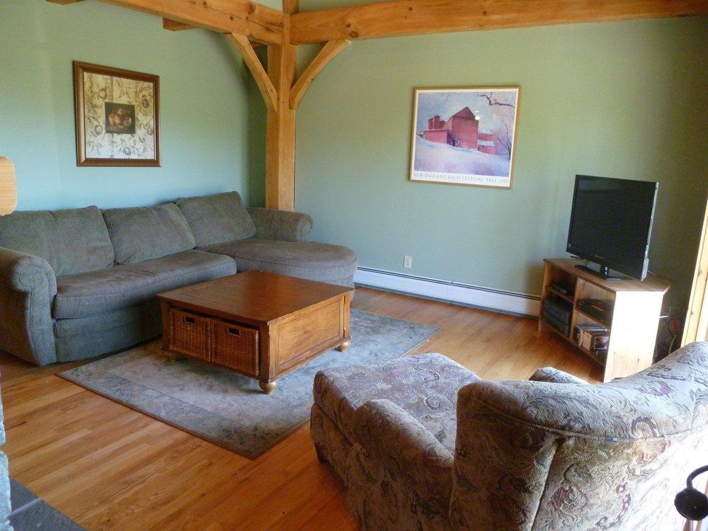 002_Livingroom.jpg