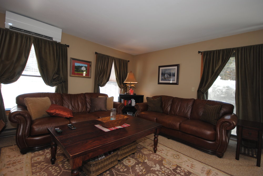 005_Living Room .jpg