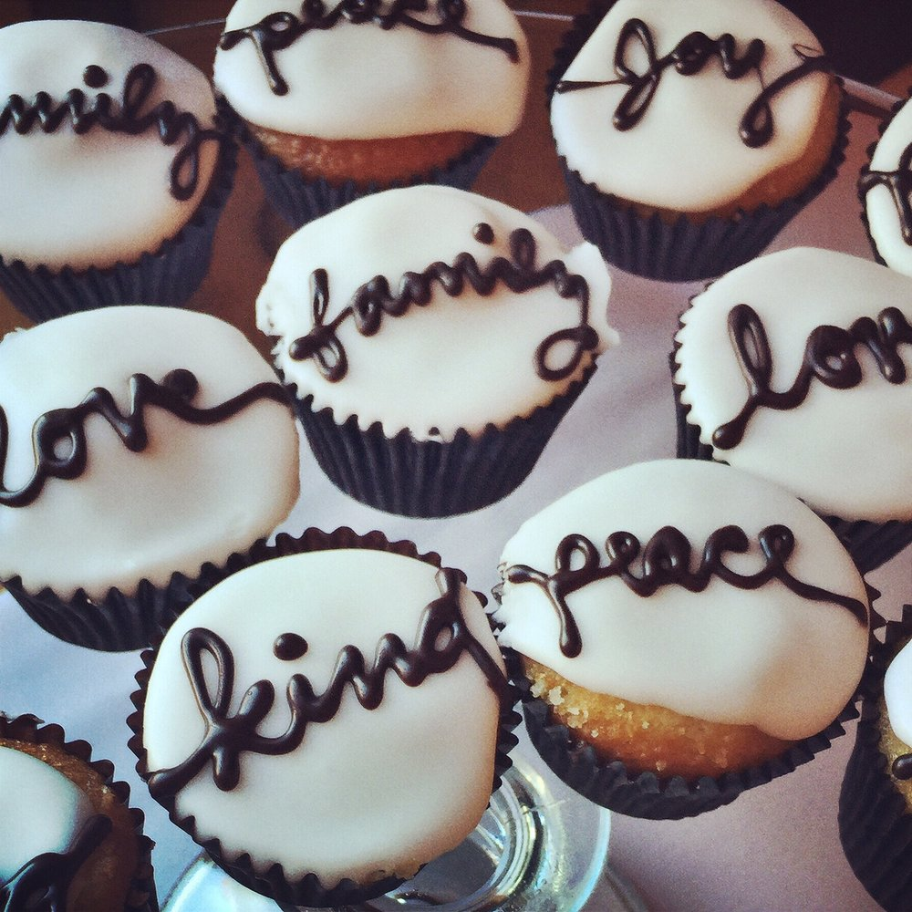 "Cute Vanilla ""Saying"" Cupcakes"