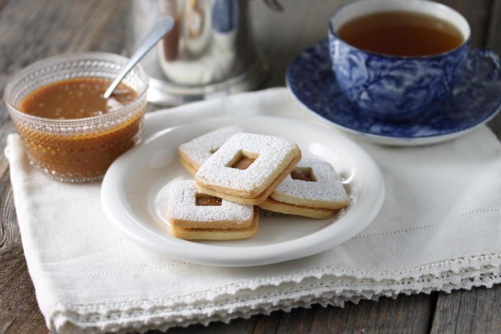 Caramel Sandwich Cookie