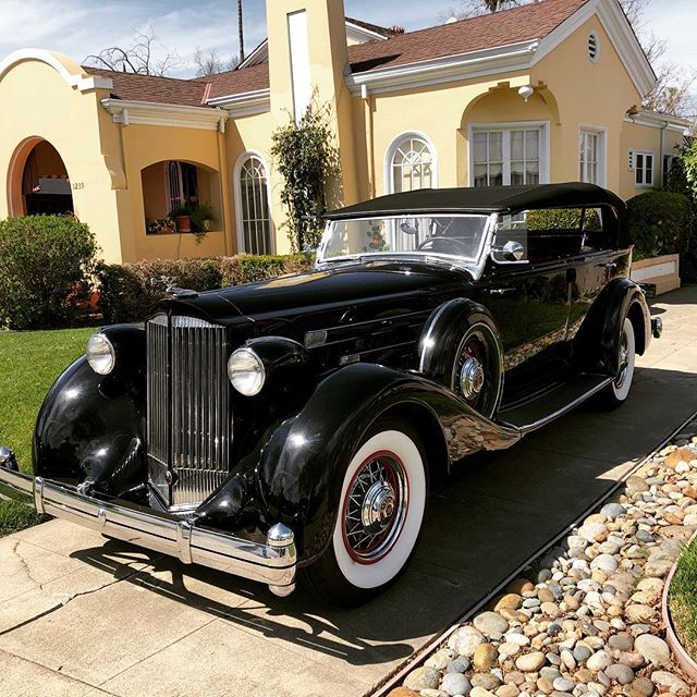 Our neighbor down the street has a Packard which means he has friends who have Packards too. Like this beauty from 1935. Some fun facts - it weighs 6,000 lbs. and has a 32 gallon gas tank which is good because at best it gets 10 mpg. Beautiful car though. . . . . . . . #vintagecars #vintagecar #packard #1935packard #antiquecar #antiquecars #oldentymee #carporn