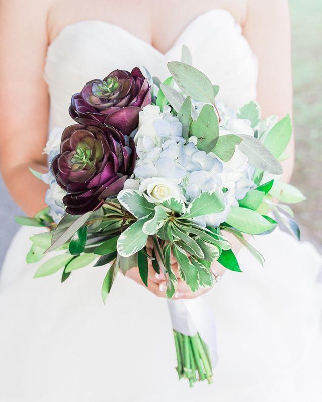 Hey friends, I got you flowers. 💐 Enjoy! 😂 (P.S. It's almost Friday!) . . Florist: @flowersetcdaphne Venue: @steelwoodcountryclub Suit: @theblacktux Assistant Photographer: @noellegraalman . . . . . . . #weddingphotography #weddingphotographer  #weddinghair #weddinginspiration  #weddingphotos #bride #realwedding  #modernwedding #weddingpictures #weddingdress  #bridalphotos #mobile #mobileal #mobilebride #mobilephotographer #evandavisphoto #tennesseeweddings #tennesseebride #alabamaphotographer #countrywedding #farmwedding #edpcouple #tennesseewedding #tennesseephotographer #engagementphotographer #stylemepretty