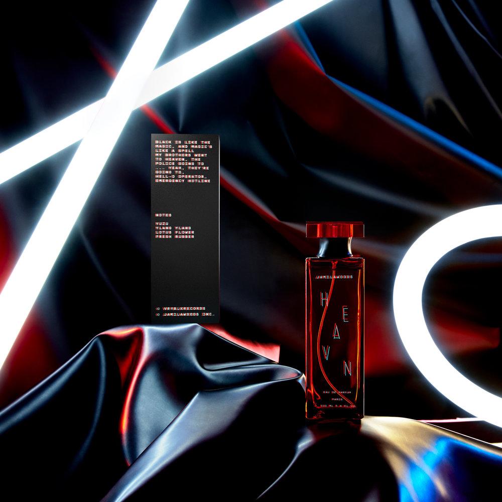 COMITA_170330_STILL-LIFE_Perfumes_05-JamilaWoods_160_B2-2-web.jpg