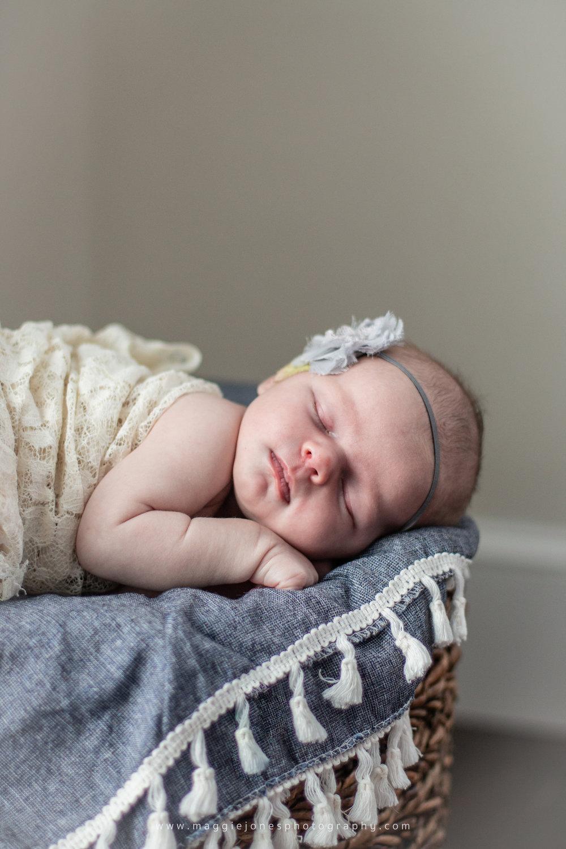 HeidiDoherty_Newborn_BLOG-1044-15.jpg