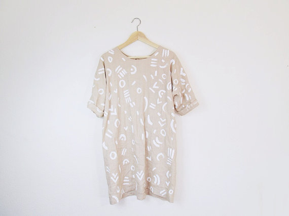 As you can tell, I have a thing for maternity wear type shirt/dress combinations. Most things in my closet could seriously grow with me if need be. It's kind of great. Look at this lil number…throw on some black tights and booties and strut it out!Found here