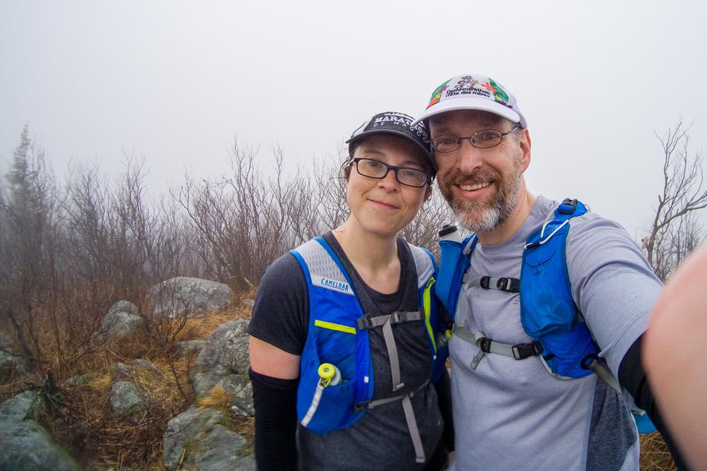 Au sommet du Mont Glenn. Nous étions trempés. Il fallait bien