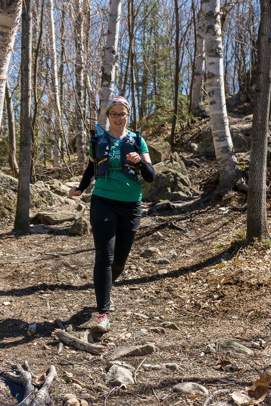 Edith dans la descente du Mont Chauve