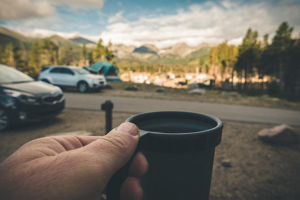 Difficile d'avoir une plus belle vue en prenant son café matinal :)
