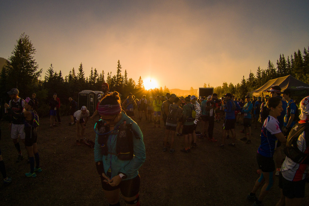 Lever de soleil avant le départ de la course