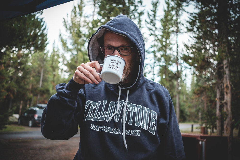 J'avais oublié d'apporter un hoodie en vacances. Pas eu le choix d'en acheter un... surtout avec des matins à 2°C et du givre sur la voiture.