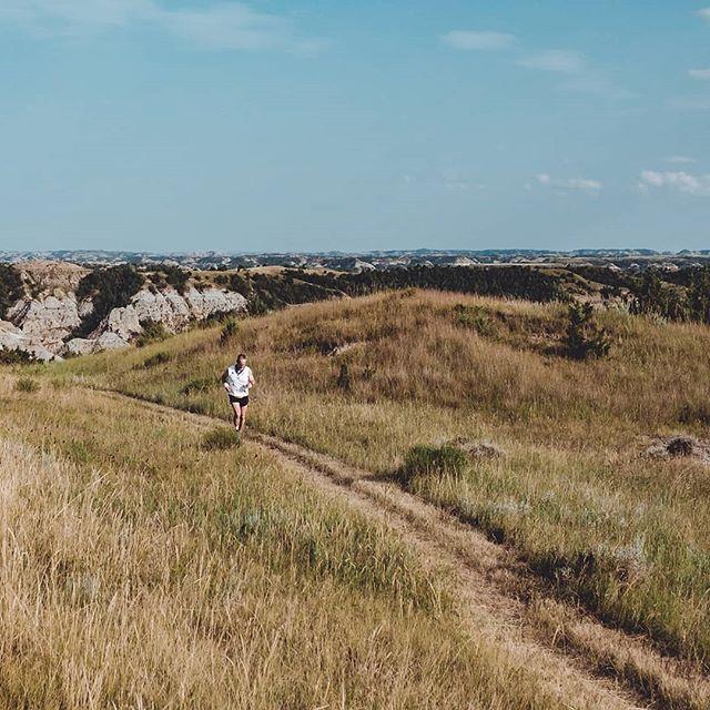 Running the @maahdaahhey100 in the badlands of North Dakota, last July. #altrarunningcanada #nakedrunningband #amazfit @nakedrunningband @amazfit #trailrunning #ultramarathon #trailadventure #trailandultra #embracethespace #zerolimits @altrarunning #100miles