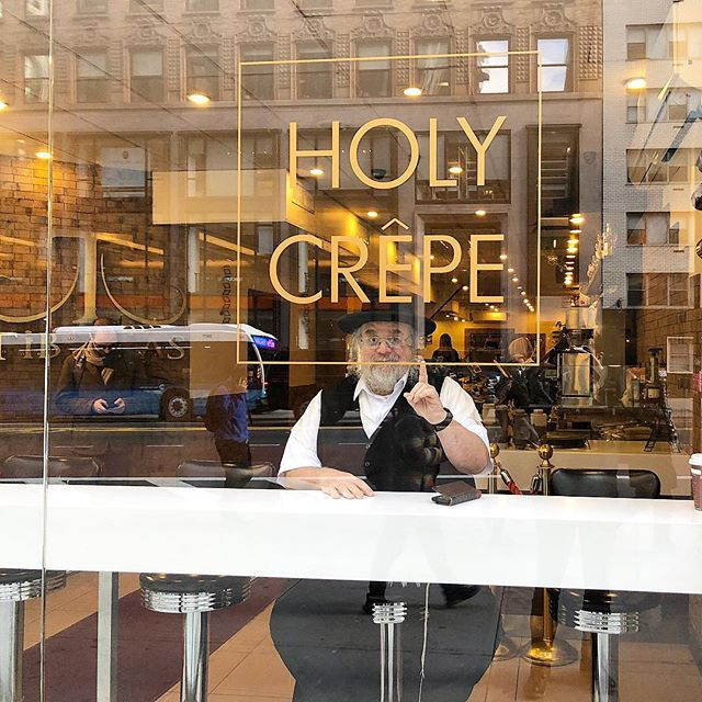 Everyone knows our crepes are number 1 👆 ...even ask the legendary @elli_tkob 🙌 #HolyCrepe #Mondays #tiberias #tiberiasnyc #kingofbroadway #manhattan #kosher #koshernyc #foodie #kosherfoodie #midtown #rainday #bokertov #creperie #foodies