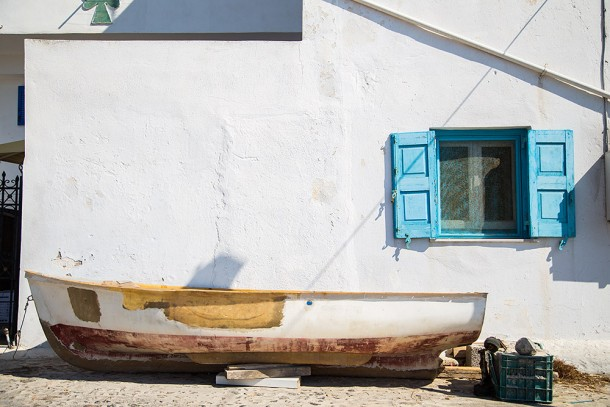 Boat-and-blue-window-e1414452548467.jpg
