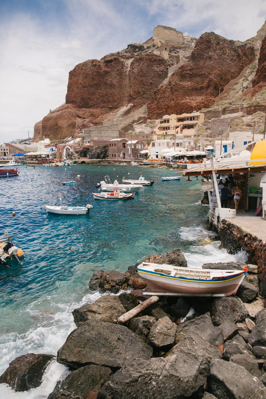 Swimming-Amoudi-Bay-Santorini-32.jpg