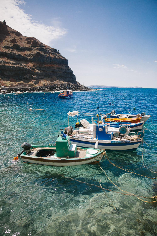 Swimming-Amoudi-Bay-Santorini-3.jpg