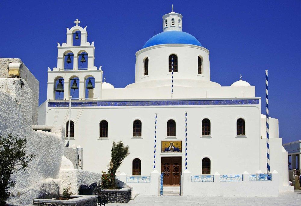 Church,_Oia,_Santorini_(1360186561).jpg