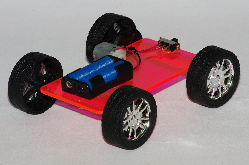 Simple four wheel drive model car