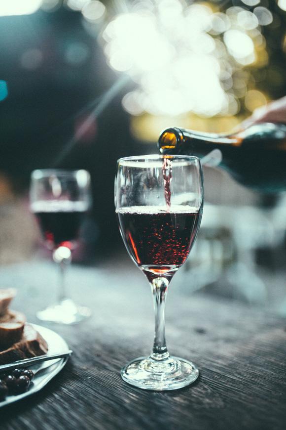 Wino Wednesday_4.26 (1).png