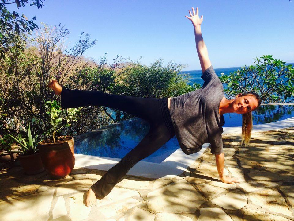 Side Plank Posture: Vasisthasana