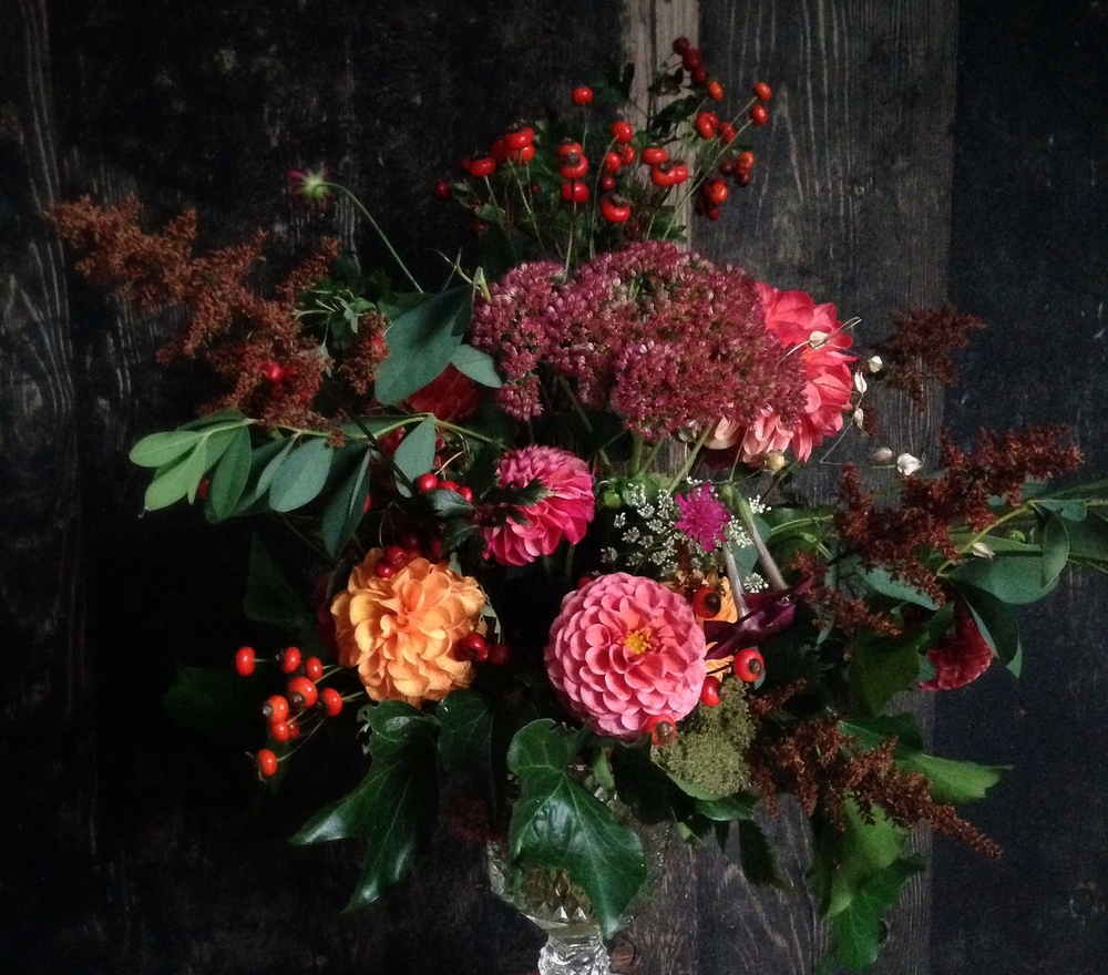Potluck participants embraced autumn's warm colours, with astilbe, dahlias, rose hips and sedum, ninebark and bracken fern.